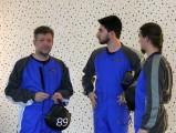Freifall im Windkanal :: Thomas, Andreas, Lukas Marlovits warten auf den Einstieg
