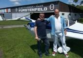 Oscar Christian: Mexiko besucht Steiermark :: 21.Juni 2014: Der bekannte mexikanische Gitarrist unternimmt einen Rundflug über die Thermenregion