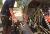 Thomas Morgenstern zu Besuch, 24.Juni 2017 :: Sorgfältig kümmert sich der Olymiasieger um seine Bell47
