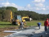 Bau der Ausweichstelle :: Fr, 22.Okt. 2011 - 800 Steine zu je 20kg wurden in Handarbeit verlegt