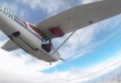 Cessna 182 :: Cessna 182 D-EEGW kurz nach dem Ausstieg in 4000m Höhe