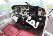 Beechcraft Bonanza :: Beech F-33 A OE-KRH Cockpit