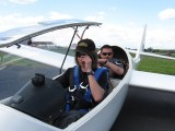 Schulung im Doppelsitzer :: vor dem Start gehen Fluglehrer Peter Richter (hinten) und Schüler Lukas nochmals alle Schritte durch