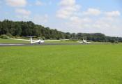 Erstflug DG-1000S :: Der Schleppzug rollt an