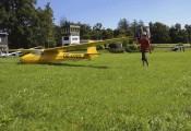 Ka8 OE-0743 :: Lukas auf dem Weg zum Startplatz